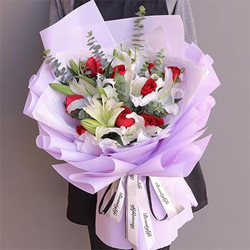 浪漫香氣-9支紅玫瑰+4支多頭白百合