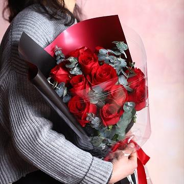 長相守-11支精品紅玫瑰