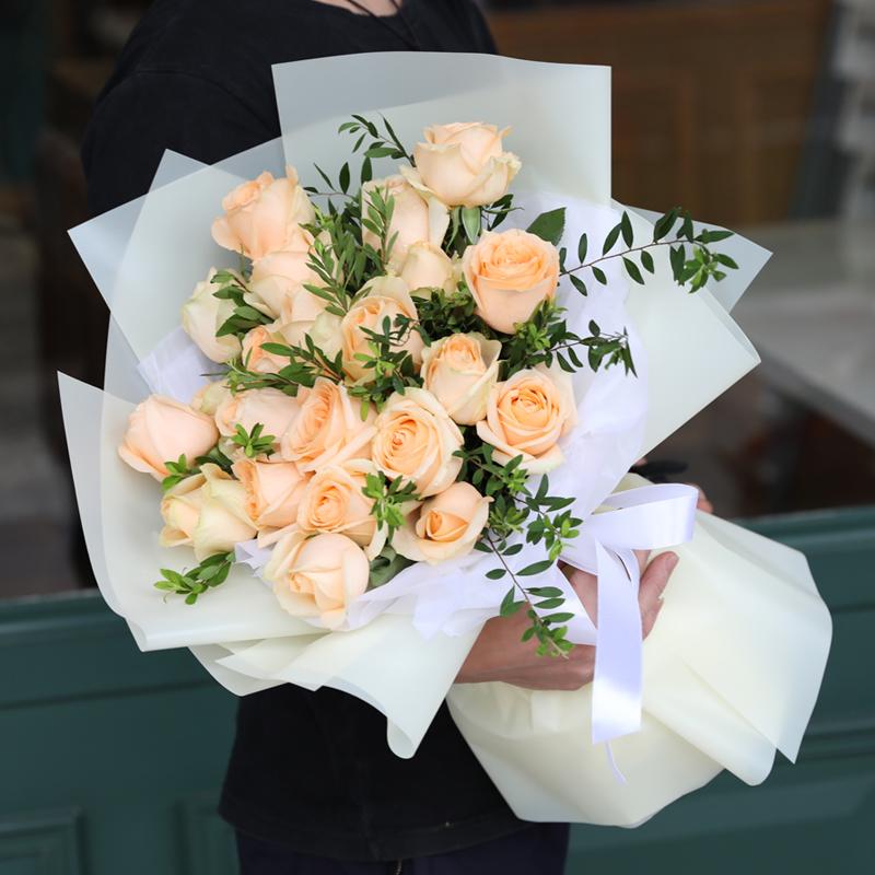 送花网鲜花可以预定吗?怕七夕当天花太贵了