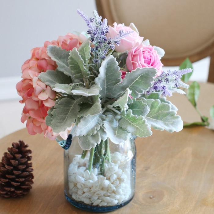 银叶菊的花语是什么?有银叶菊的花束推荐