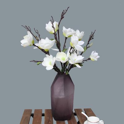 插花有哪些种类_哪些花材可以用来插花