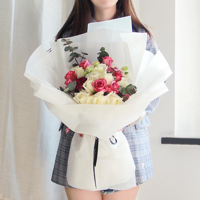 送女朋友多少朵玫瑰花好?纪念日送女朋友玫瑰花这样送更有爱