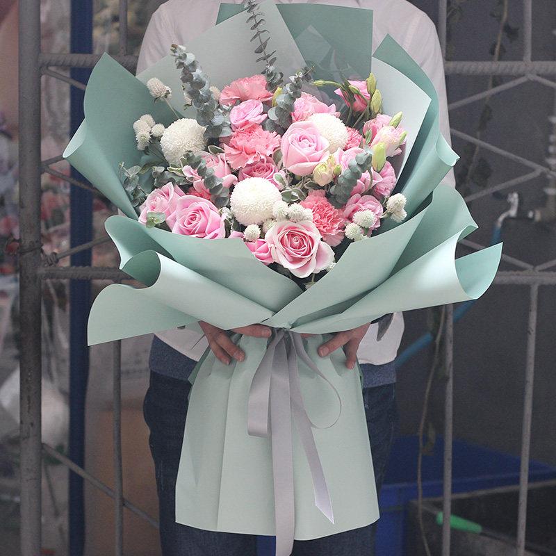 【看望病人鲜花】长辈生病了送什么花寓意早日康复