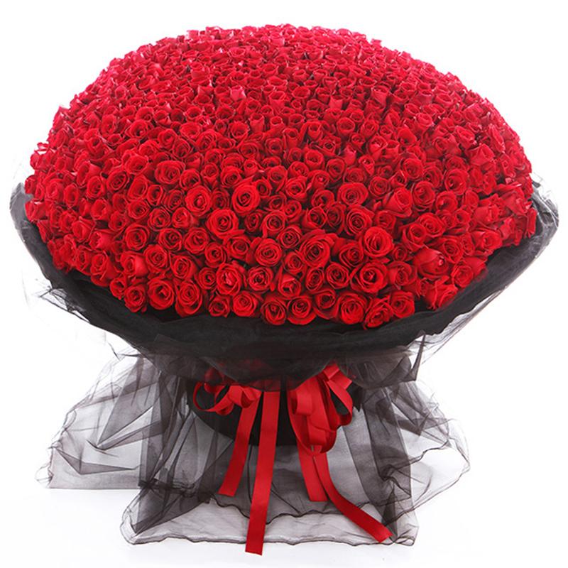 999朵玫瑰代表什么?求婚送花就选999朵玫瑰花