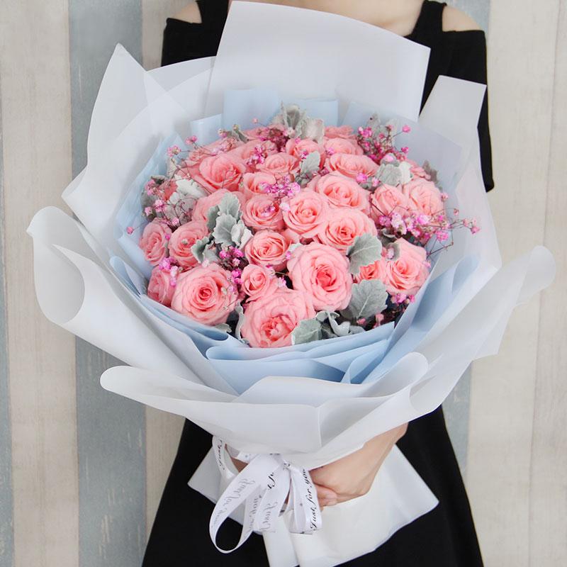 七夕情人节送什么花好?七夕情人节送花不要再直男了,七夕情人节就送小仙女同款花束