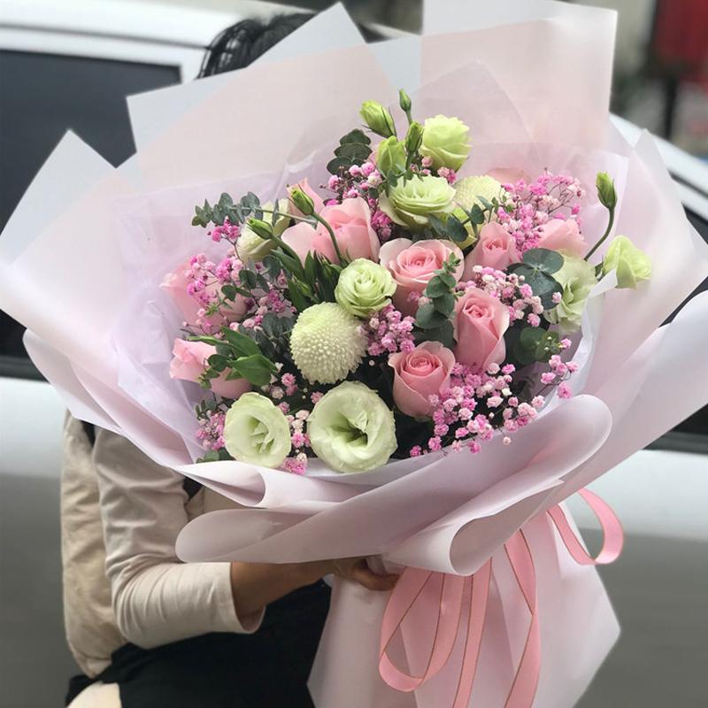 和女朋友分开一段时间见面该送什么花?久别重逢送花推荐