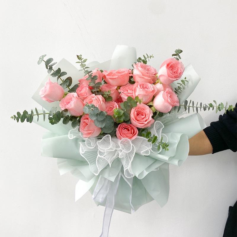 和喜欢的女生初次约会需要送花吗?