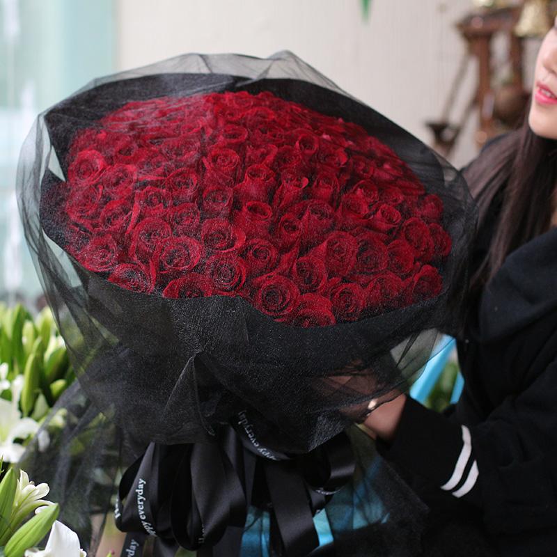 黑夜之光-99支精品红玫瑰