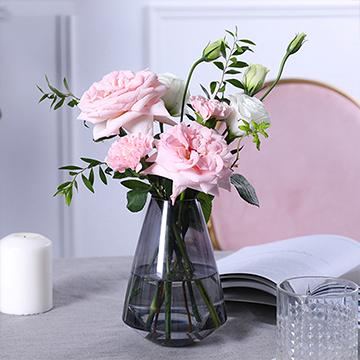 故事继续-粉玫瑰+粉康乃馨+桔梗混搭