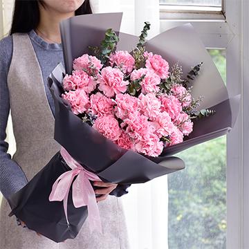 念您-19支亚博国际电游app粉色康乃馨
