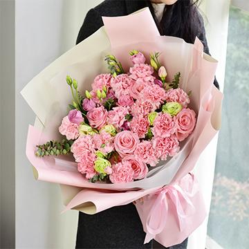 母亲的爱-19支粉色康乃馨+6支粉玫瑰混搭
