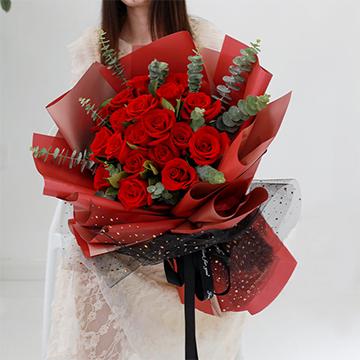 含羞红焰-19支精品红玫瑰