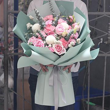 幸福的祈禱-11支粉玫瑰+6支粉色康乃馨混搭