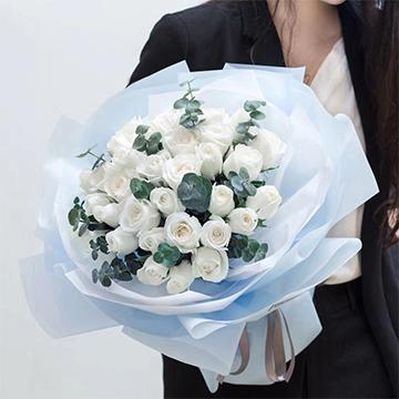 心中所爱-33支精品白玫瑰