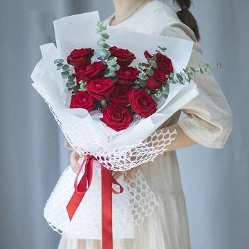 爱慕-11支精品红玫瑰