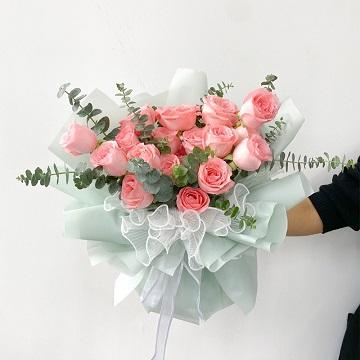 情窦初开-19支精品粉玫瑰