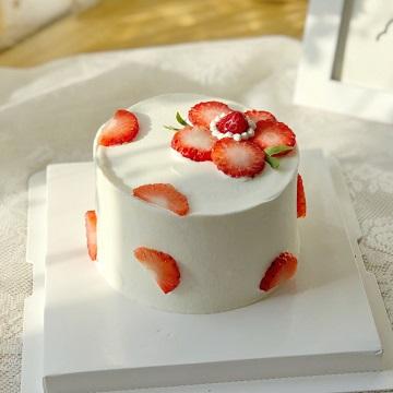 送你一朵小红花网红奶油蛋糕